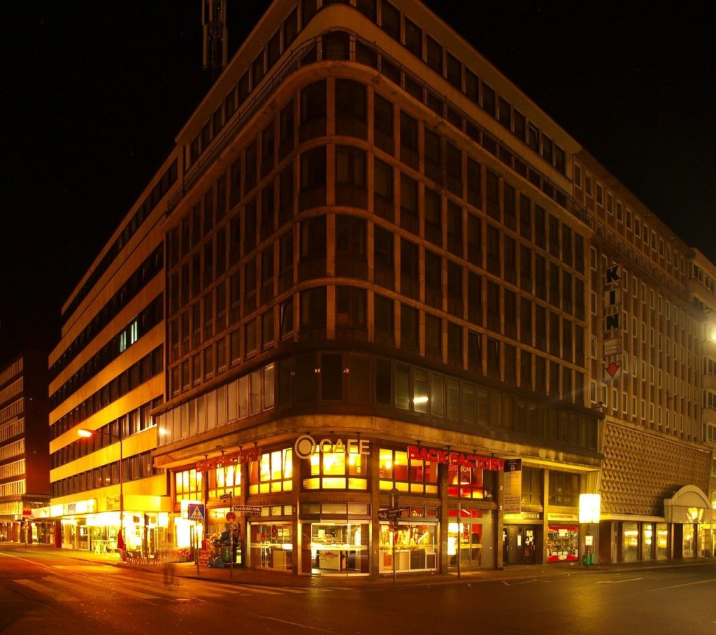local commercial paris